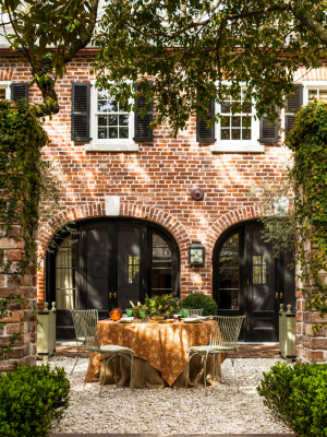 A Beautiful 19th-Century Carriage House Restoration in Charleston — THE NORDROOM